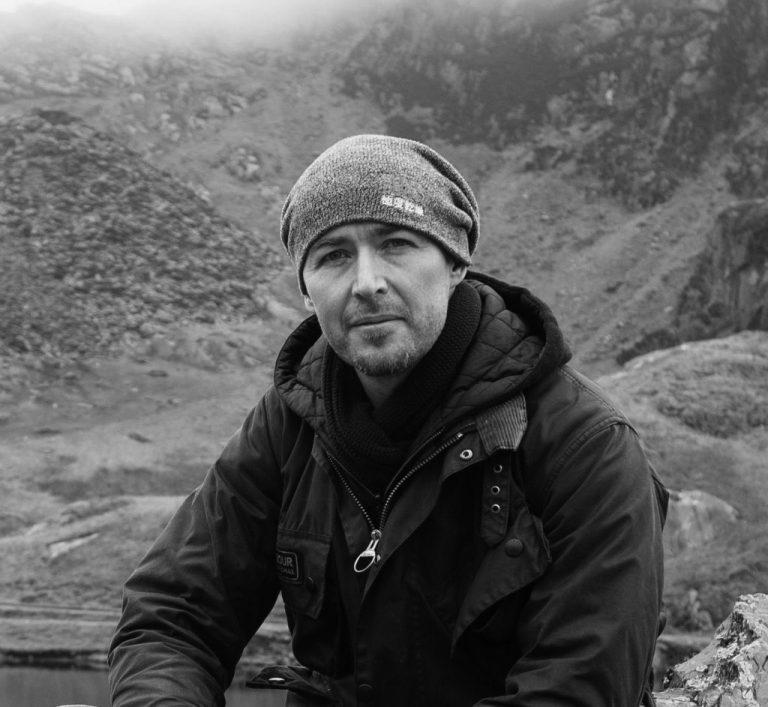 portrait of photographer Andy Paradise